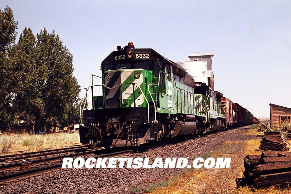 Burlington Northern SD40-2 6332
